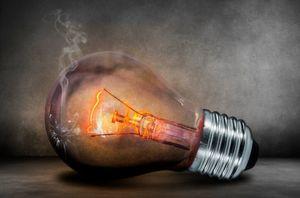 10 bis 20 % aller tödlichen Unfälle durch Hausbrände werden durch elektrische Fehlfunktionen ausgelöst. MSSI Electrical will die Verbreitung von unsicheren und nicht-konformen elektrischen Installationen und Systemen bekämpfen.