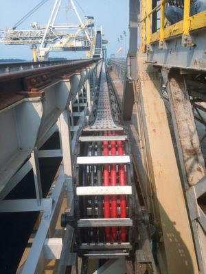 Für einen indonesischen Düngemittelhersteller konnte Tsubaki Kabelschlepp ein RSC-System mit einem Verfahrweg von 260 Metern realisieren.