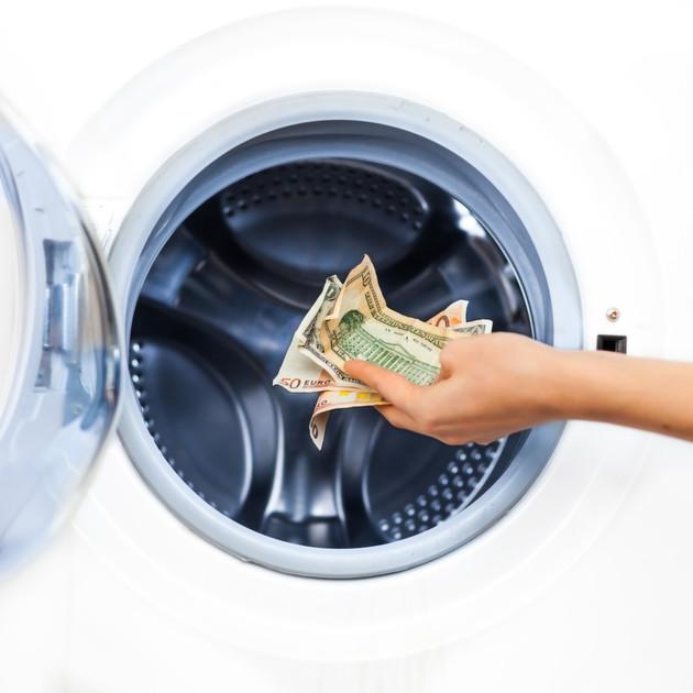 werbungskosten berufskleidung so berechnen sie reinigungskosten optimal. Black Bedroom Furniture Sets. Home Design Ideas