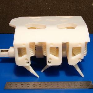 Der erste Hydraulik-betriebene Roboter aus dem Drucker