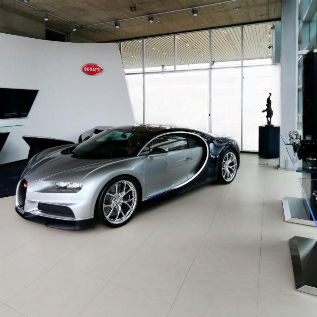 Bugatti: Moskauer Service-Kunden am Rhein
