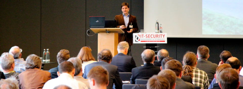 An den ersten drei Veranstaltungsorten hält IT-Security-Experte Stefan Tomanek die Eröffnungs-Keynote zur IT-SECURITY Management & Technology Conference 2016.
