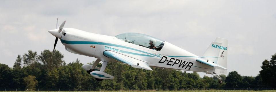 Siemens hebt mit E-Flugzeug erstmals rein-elektrisch ab