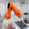 Roboter automatisieren Werkzeugzuführung im Schleifzentrum
