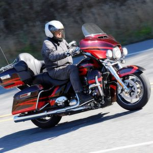 Gefahren: Harley-Davidson CVO Limited (Milwaukee-Eight 114)