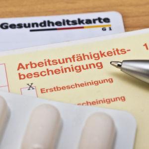 Entgeltfortzahlung: Versichern und sparen