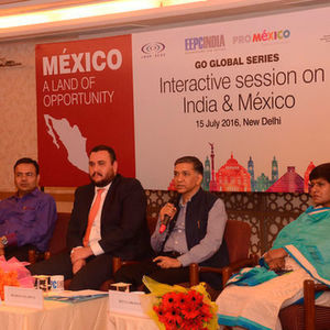 Principal Trade & Investment Officer and Director of Pro Mexico for SAARC,rodrigo Blaco (centre) recently spoke on business opportunities for Indian companies at an EEPC conference.
