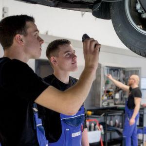 Werkstattkonzept von Volvo: Doppelt schraubt schneller