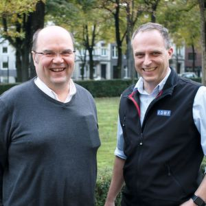 Jari Saaranen (left) with Ralf Duerrwaechter, the CEO of German Association of Tool and Mould Manufacturers (VDWF).