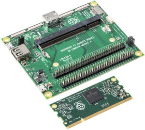 Duo für Industrieapplikationen: Quadcore-Performance für das Raspberry Pi 3 Compute Modul (unten). Bei Bedarf kann das I/O-Board (oben) als Prototyping-Plattform verwendet werden.