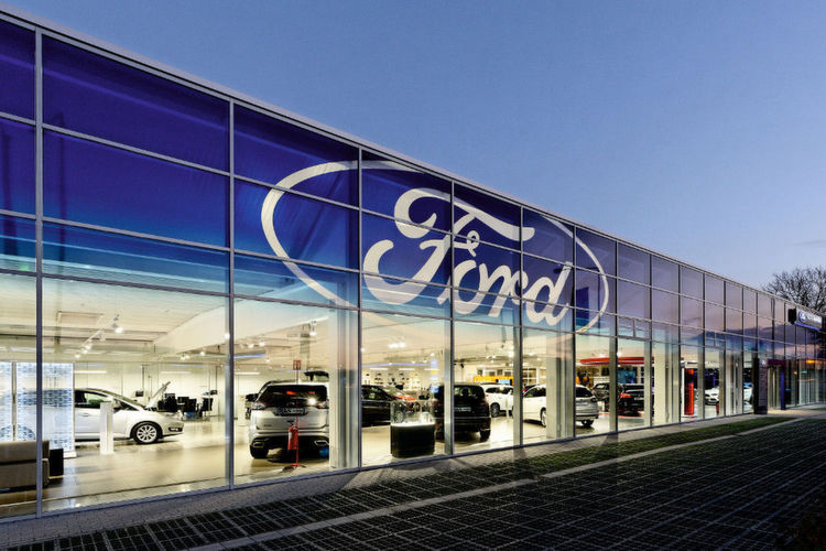 ford store in k ln ein echter blickfang. Black Bedroom Furniture Sets. Home Design Ideas