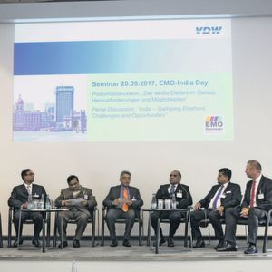 "The panel discussion of the EMO-India Day had the topic ""India – Galloping Elephant, Challenges and Opportunities"" and was led by Rajesh Nath, Managing Director of 