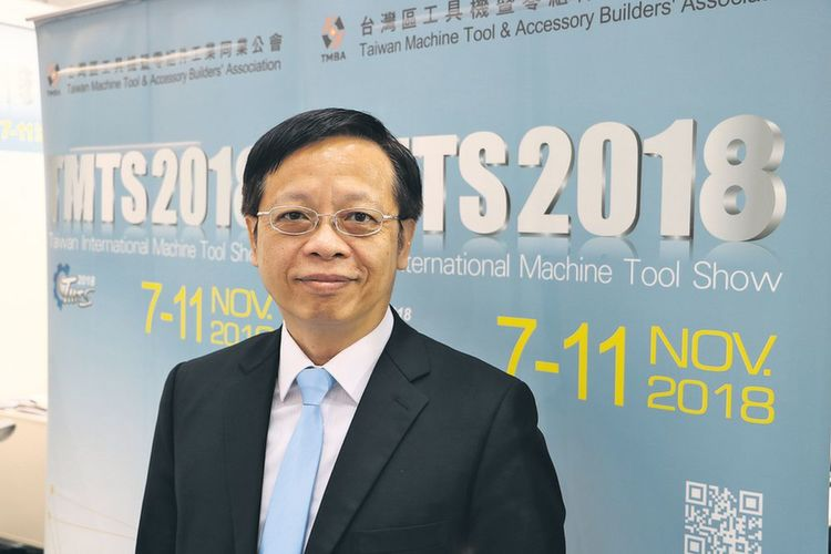 Carl C.C. Huang, Präsident des TMBA (Taiwan Machine Tool & Accessory Builders' Association), freut sich über