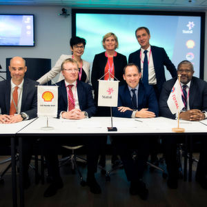 The partners from Statoil, Total and Shell signed a partnership agreement to mature the development of carbon storage on the Norwegian continental shelf (NCS).