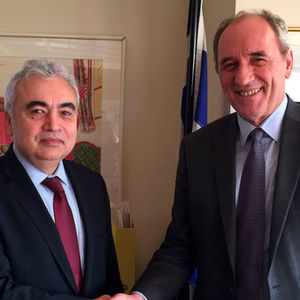 IEA Executive Dr Fatih Birol (left) meets with Greek Minister of Environment and Energy George Stathakis in Athens.