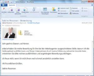 Ransomware wird vorzugsweise an Personalabteilungen gesendet. Warum? Weil die Chancen, dass jemand den Anhang einer solchen E-Mail öffnet ziemlich hoch sind.