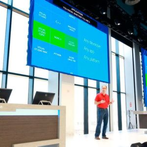 Scott Guthrie, Microsoft EVP Cloud and Enterprise, hielt die Keynote bei der Connect(); 2017