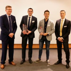 Winners of the Sigma Award 2017 with the managment of Sigma (left to right): Thomas Klein, General Manager at Sigma, Marco Kwiatkowski (Günther Heisskanaltechnik), Marco Ruivo (Speedturtle) and Timo Gebauer, CTO Sigma.