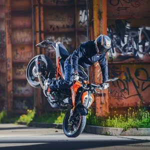 IVM-Neuzulassungen Motorrad November 2017: Stoppie-Business