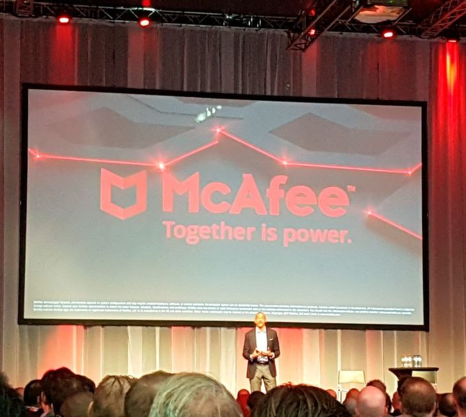 """Together is Power"" durchzog als Leitgedanke den EMEA Mpower Cybersecurity Summit in Amsterdam, den Chris Young,"