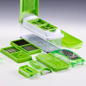 "Don't be fooled: The image does not show the kitchen cutting deveice ""Nicer Dicer Plus"" by Genius GmbH, but a plagiarism that comes with blunt and easily breaking cutting blades."