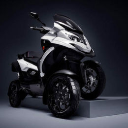 Quadro Vehicles: Halb Cabrio, halb Roller