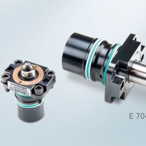 The compact E7048 Build-in cylinder with flange is available in four sizes.