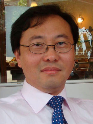Prof. Feng Li, Ahair of Information Management, Cass Business School, City University of London.