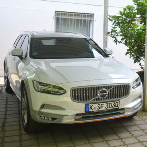 »kfz-betrieb« Auto-Check: Volvo V90 Cross Country Ocean Race