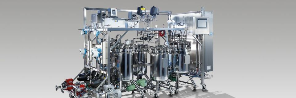 The commercial plant with a microjet reactor enables for the first time the mobile, continuous and large-scale GMP production of nanoparticles of active pharmaceutical ingredients.