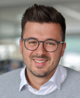 Alexander Pfriem, Projektleitung B2B Seminare