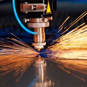 The global metal cutting tools market is expected to grow at a CAGR of around 9 % by 2021.