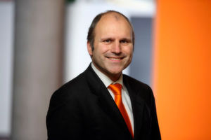 Dr. Christian Schlögel ist Chief Digital Officer der KUKA AG.