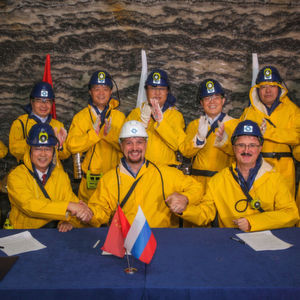 Representatives from Eurochem and Heilongjiang Beidahuang Farms signed the MoU at the Usolskiy mine.