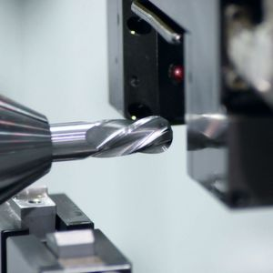 Accuracy Down Under: Measuring endmill geometries within +/- 2 microns