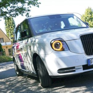 Shuttle-Dienst in Hamburg nutzt elektrische London Taxis