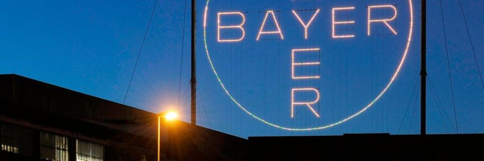 Following the verdict, Bayer's share dropped by as much as 12 %.