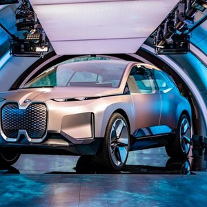 BMW Vision iNext – Autonom unterwegs auf Level 4
