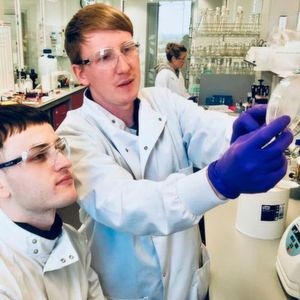 Ingenza Molecular Biologists; Research Assistant, Louis Marlow and Senior Scientist, Stephen McColm.