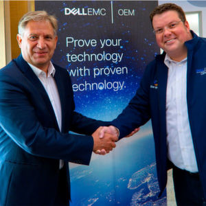 Herbert Grau, Geschäftsführer und Gründer von Grau Data, bestärkt die Partnerschaft mit Uwe Wiest, Director EMEA Global Systems Engineering und Director Central Sales von Dell EMC.