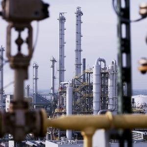 Evonik nimmt Anlage für PMMA-Flachfolien in Betrieb