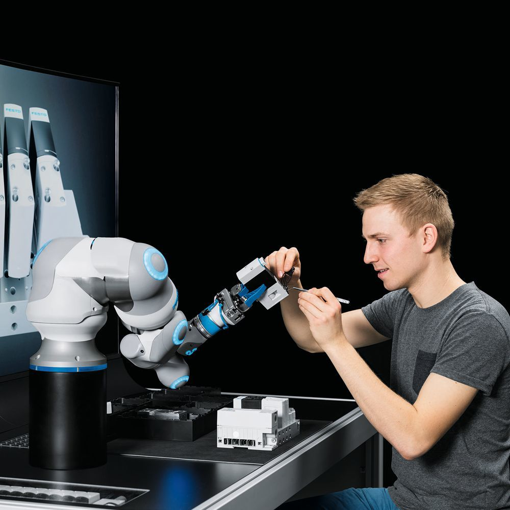 The Bionic Cobot by Festo is a pneumatic lightweight robot with human movement patterns and acts
