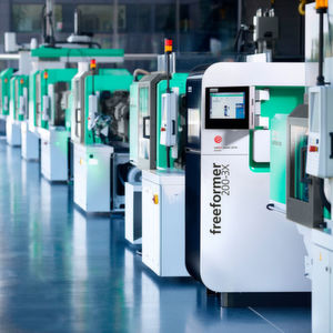 Arburg offers a wide range of products for plastics processors. At Mecspe 2019, a complex turnkey system built around a hydraulic Allrounder injection moulding machine and a Freeformer 200-3X for industrial additive manufacturing will be on display. Both exhibits will be connected to the ALS host computer system.