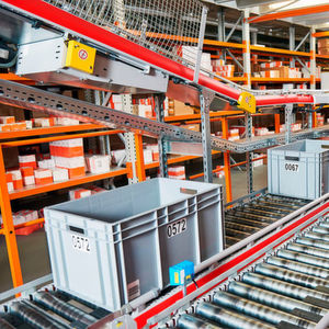 Automated small-parts storages offer the possibility to store items in a space-saving way.