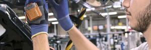 Saving time in warehouse and assembly with wearables smart barcode scanner
