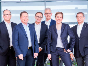 Die Wago-Geschäftsführung gibt ein Gruppen-Wachstum von 8,1 Prozent für 2018 bekannt (von links): Christian Sallach, Chief Marketing Officer & Chief Digital Officer, Sven Hohorst, Chief Executive Officer, Jürgen Schäfer, Chief Sales Officer, Ulrich Bohling, Chief Operating Officer, Kathrin Pogrzeba, Chief Human Resources Officer, und Axel Börner, Chief Financial Officer.