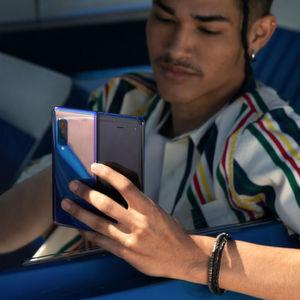 Samsung zeigt Serienversion seines Falt-Smartphones