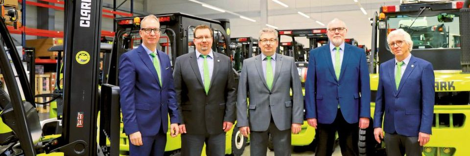 Neuaufstellung bei Clark Europe (v.l.): Stefan Budweit (Director Sales & Marketing), Andreas Krause (COO), Rolf Eiten (President & CEO), Markus Jöckel (Director Parts Sales & Truck Admin) und Klaus Drentscher (Director Technical Support).