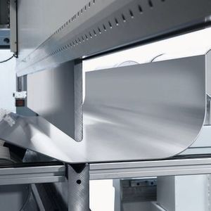How does the folding of sheet metal work?