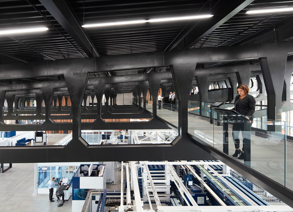 In its Smart Factory, Trumpf presents the production of the future.